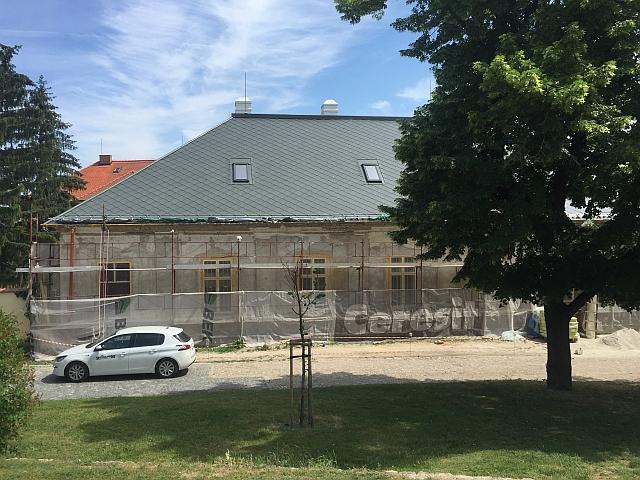 Obnova Nécseyovho domu, Nitriansky hrad, námestie